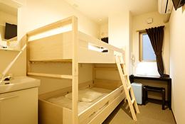 ツインルーム二段ベッド セパレートタイプ